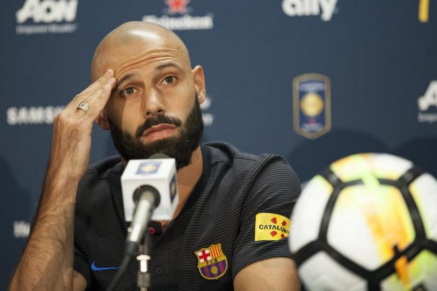 Barcelona defender Javier Mascherano is set to move to Chinese side Hebei China Fortune in January for €10 million (S$15.95 million).
