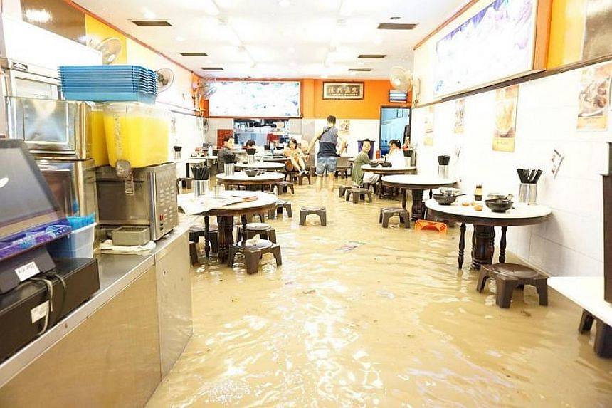 Patrons of eateries along a stretch of the road between Jalan Keli and Jalan Todak found themselves knee-deep in water last Christmas Eve. The staff of eateries in Upper Thomson Road are confident that the area will not be hit by floods again. The co