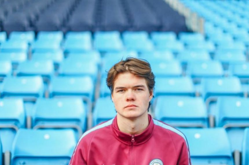 Teenager Marcus Jorgensen is one of the world's leading Fifa eSports players.