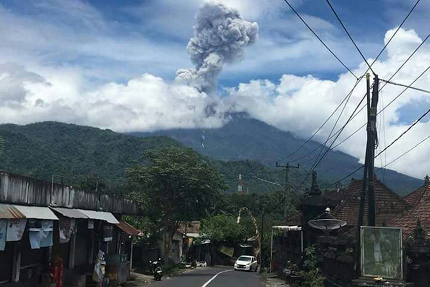 The alert level for Mount Agung and the 8 to 10km radius around it remains at its highest.