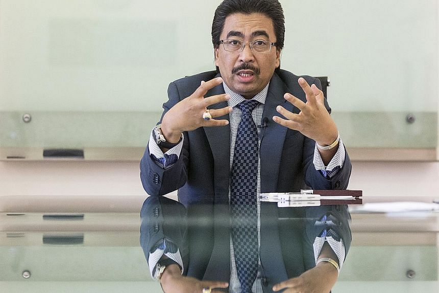 Deputy Finance Minister Johari Abdul Ghani was responding to a blog post by former premier Mahathir Mohamad.