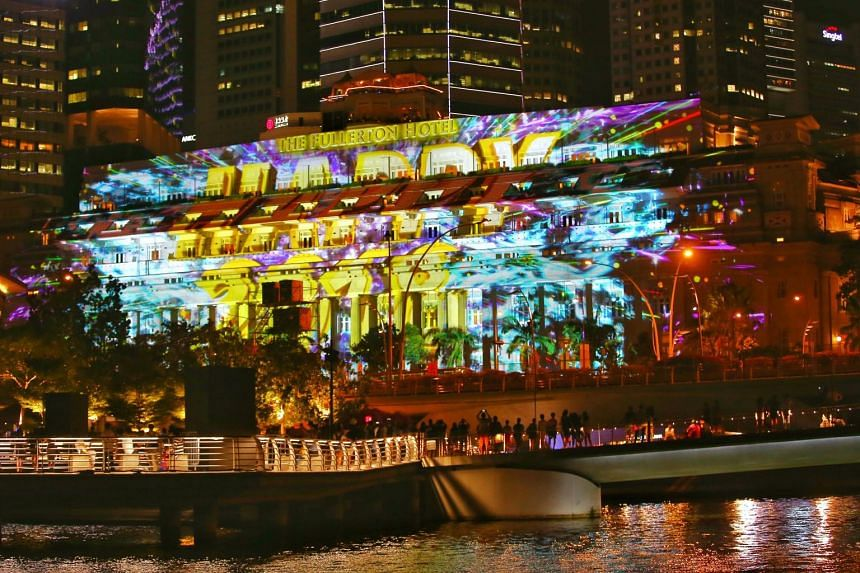 The preview of the light projection on the facade of the Fullerton Hotel for the Marina Bay Singapore Countdown 2018.
