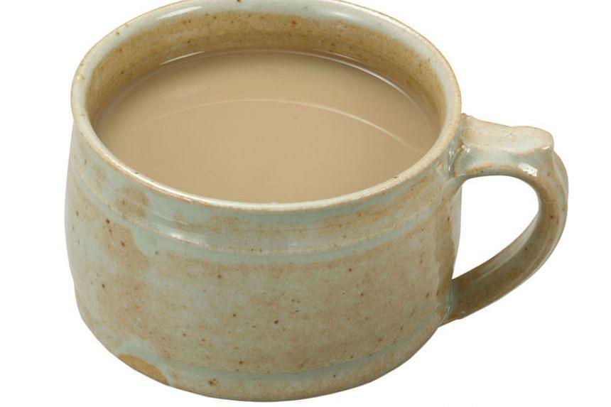 Gyunyu-ya san no Hojicha Miruku Tea (Milkman's hojicha-flavoured milk tea).