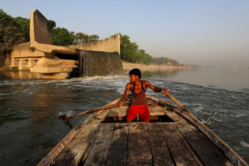 The water quality in eight of 10 towns surveyed along the Ganges river did not meet outdoor bathing standards.
