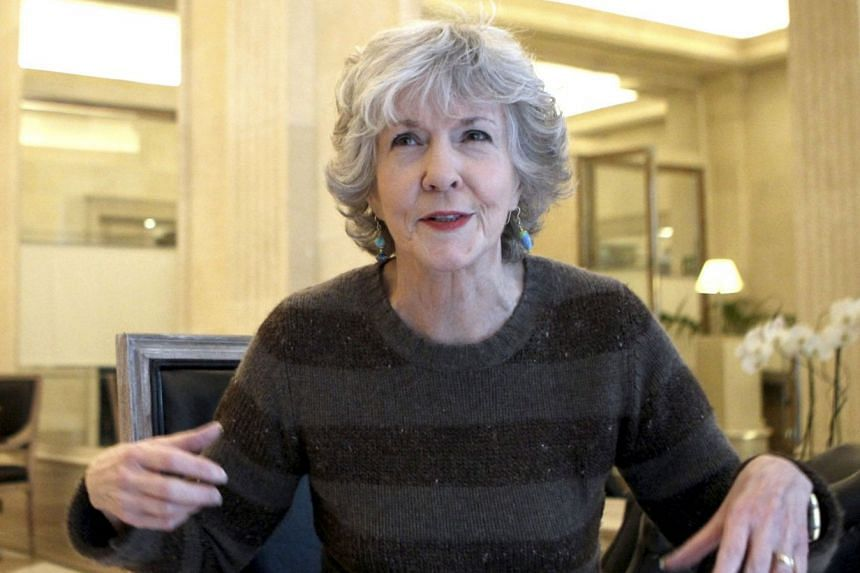 US writer Sue Grafton gestures during an interview in Spain in 2015.