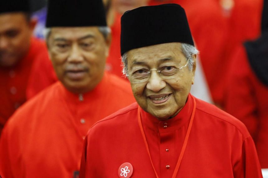 Malaysian United Indigenous Party (PPBM) chairman Mahathir Mohamad (pictured) claimed that Prime Minister Najib Razak wanted enough Malay representatives to form the Government without the participation of the Chinese.