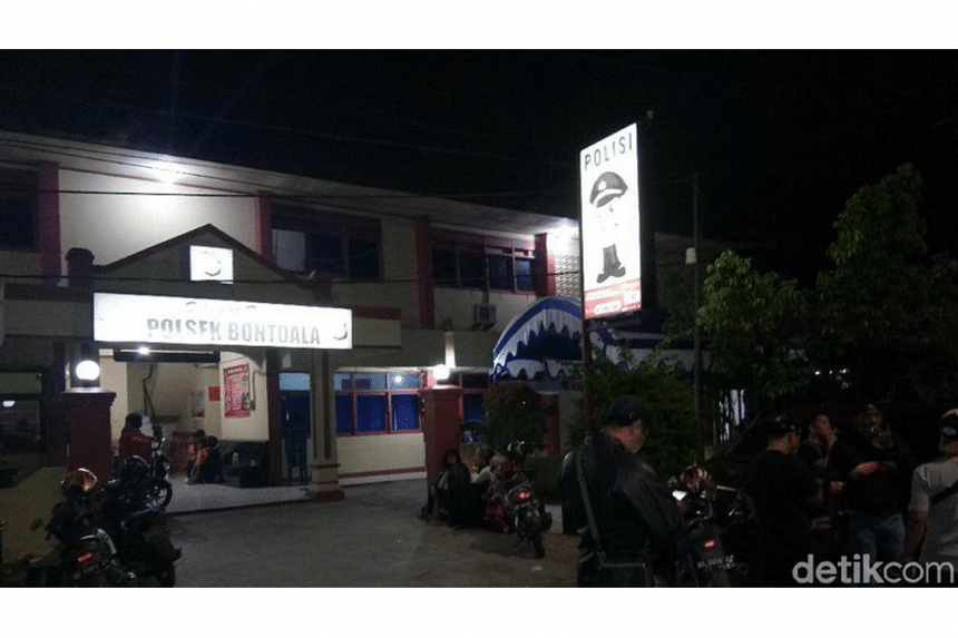 The incident occurred at 3:30am local time at the Bontola police station in Makassar.