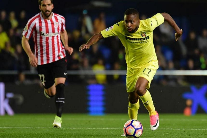 Cedric Bakambu's transfer to Chinese Super League side Beijing Guoan could be completed in a matter of hours, according to Villarreal coach Javi Calleja.