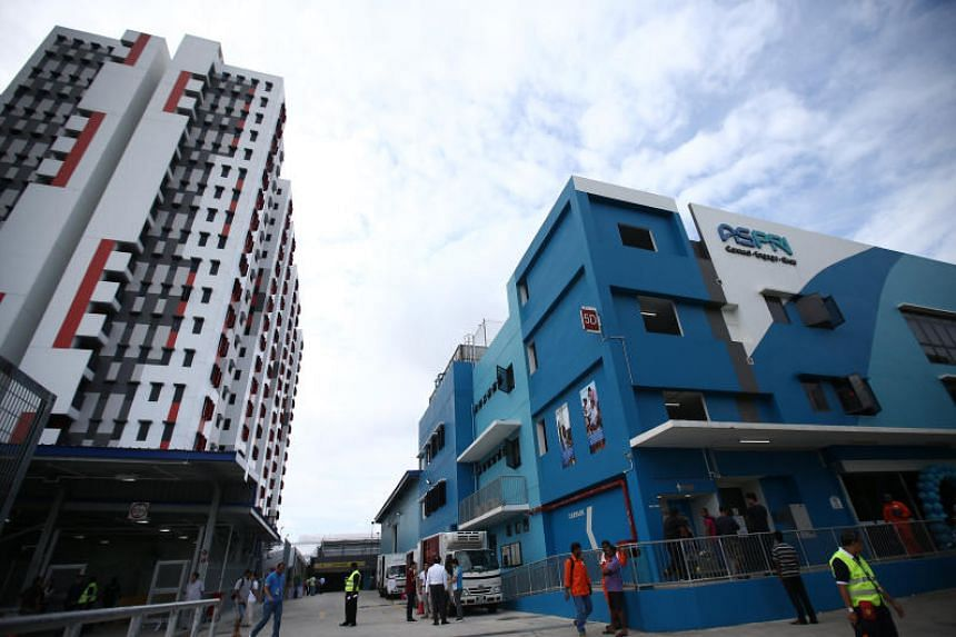 Aspri-Westlite Dormitory-Papan, a 7,900 bed dormitory near Jurong Island, is the first to be integrated with an Aspri training centre so workers can attend trade courses for oil and gas and chemical industries.