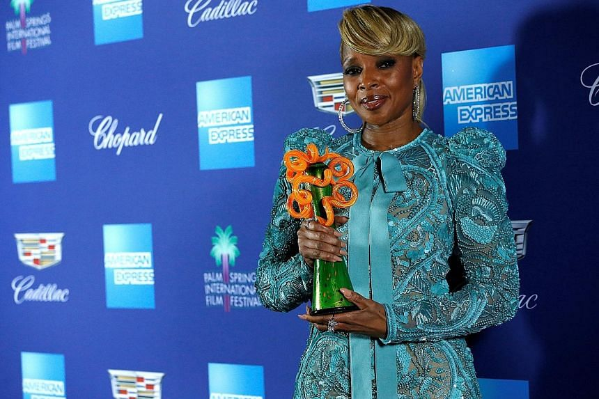 Mary J. Blige received the Breakthrough Performance Award at the 29th annual Palm Springs International Film Festival last Tuesday in California, for her role in Netflix drama Mudbound.