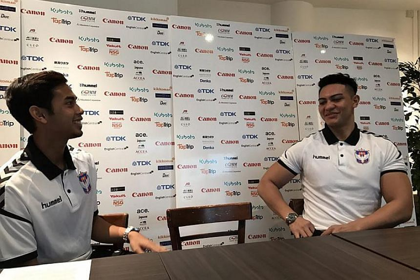 Singaporean footballers Adam Swandi and goalkeeper Shahul Rayyan will be joining Albirex Niigata for the 2018 season of the S-League.
