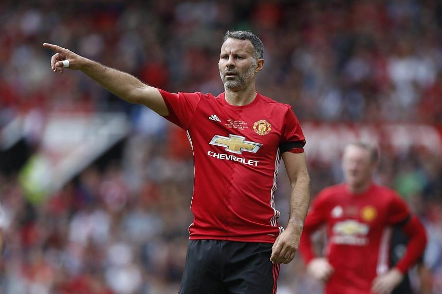 Former Manchester United winger Ryan Giggs has emerged as one of the favourites to become the new Stoke manager.
