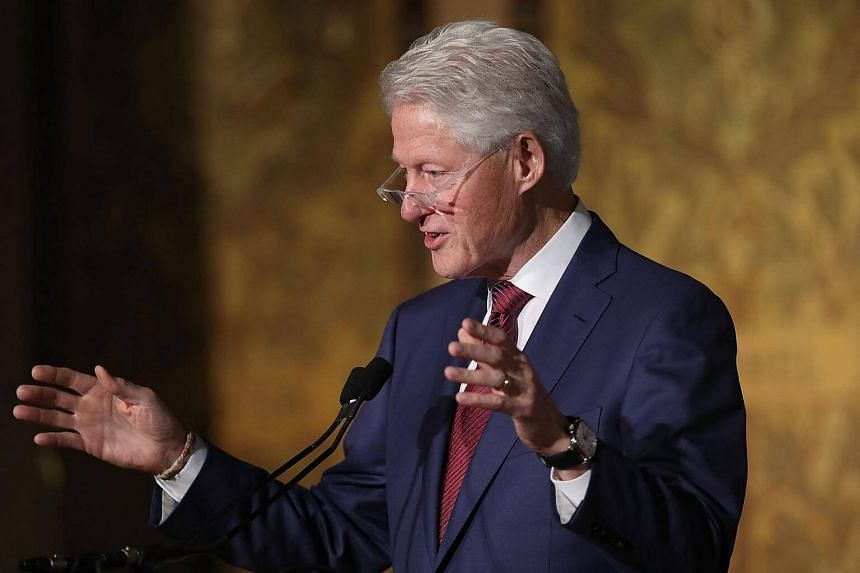 """Former US President Bill Clinton called for the release of Reuters reporters Wa Lone and Kyaw Soe Oo, saying that """"the detention of journalists anywhere is unacceptable""""."""