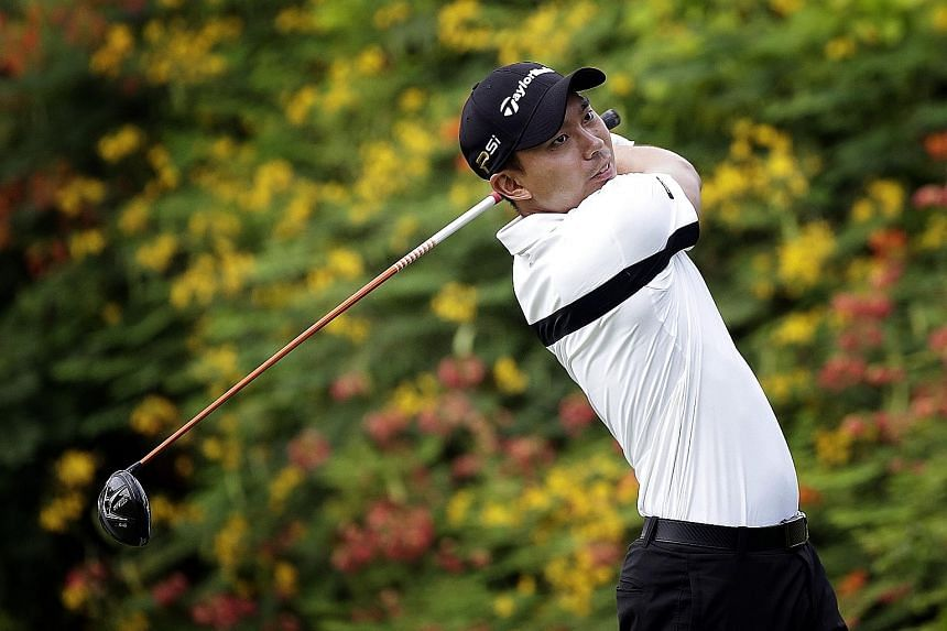 Singapore's Joshua Shou (right) and fellow SEA Games gold medallist Marc Ong plan to turn professional after next week's SMBC Singapore Open at the Sentosa Golf Club.