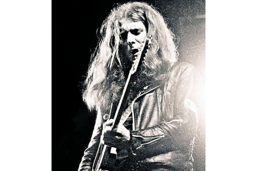 Eddie Clarke, known as 'Fast Eddie' because of his ferocious style of playing, died in hospital where he was being treated for pneumonia.