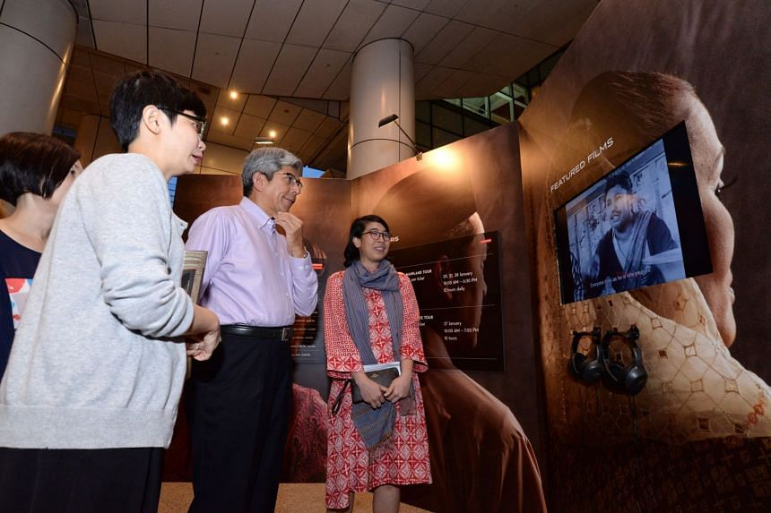 Dr Yaacob Ibrahim, Minister for Communications and Information, was the guest of honour at State Of Motion, the Asian Film Archive's annual film and visual arts series.