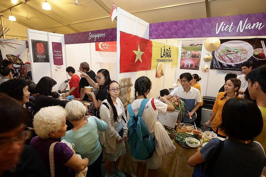 More than 30 food stalls serving up dishes from around the region drew more than 5,000 people to the Experience Asean festival.