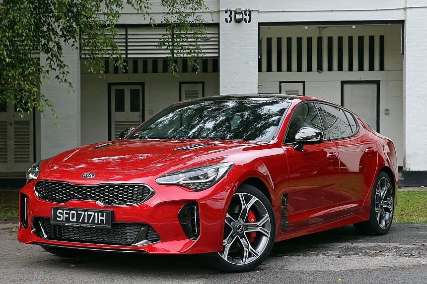 The Kia Stinger offers a delirious ride with precision and finesse. Its cabin is elaborately equipped.