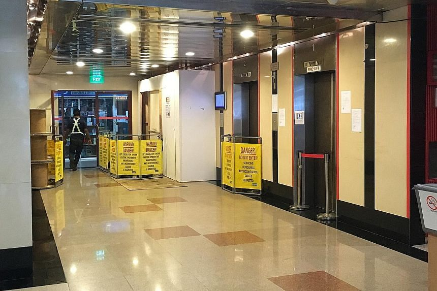 Office workers have been forced to use the stairs since last Thursday, when the one functional lift serving the entire building broke down. Two lifts have been closed for almost two months and a third one stopped working almost two weeks ago.