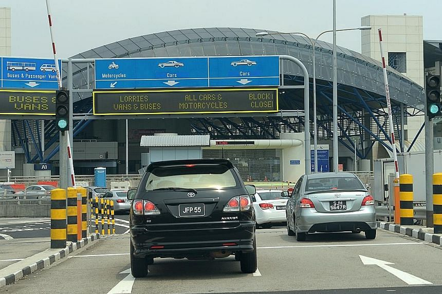 Toll fees for the Second Link in Tuas may be reviewed to ease traffic jams on the Causeway during peak periods.