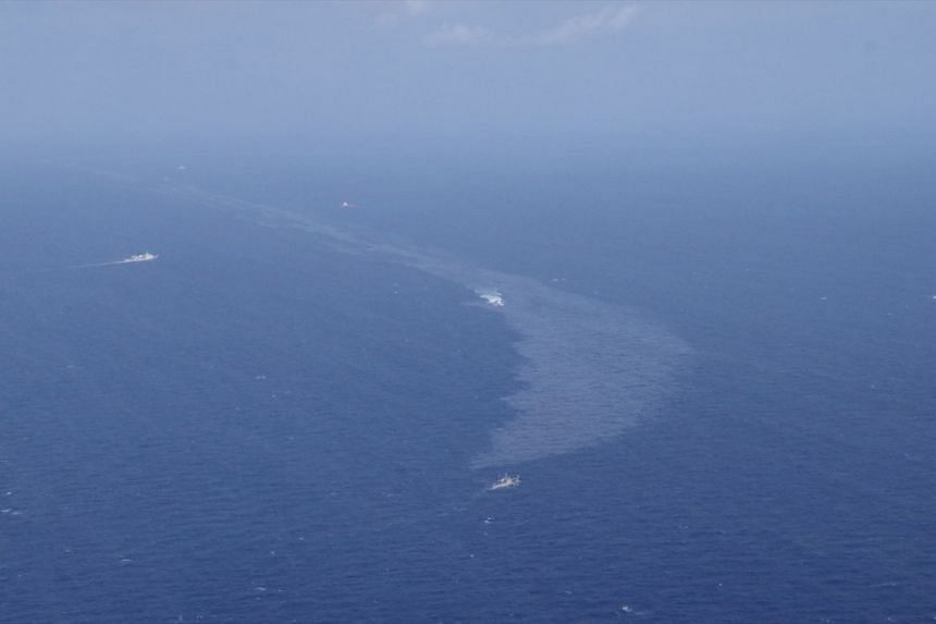 The oil spill from stricken Iranian tanker Sanchi that sank is seen in the East China Sea, on Jan 16, 2018.