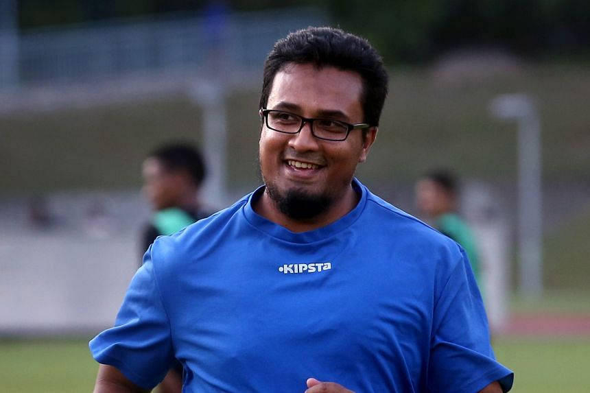 Akbar Nawas wins the Philippine Coach of the Year award for his exploits with Global Cebu.