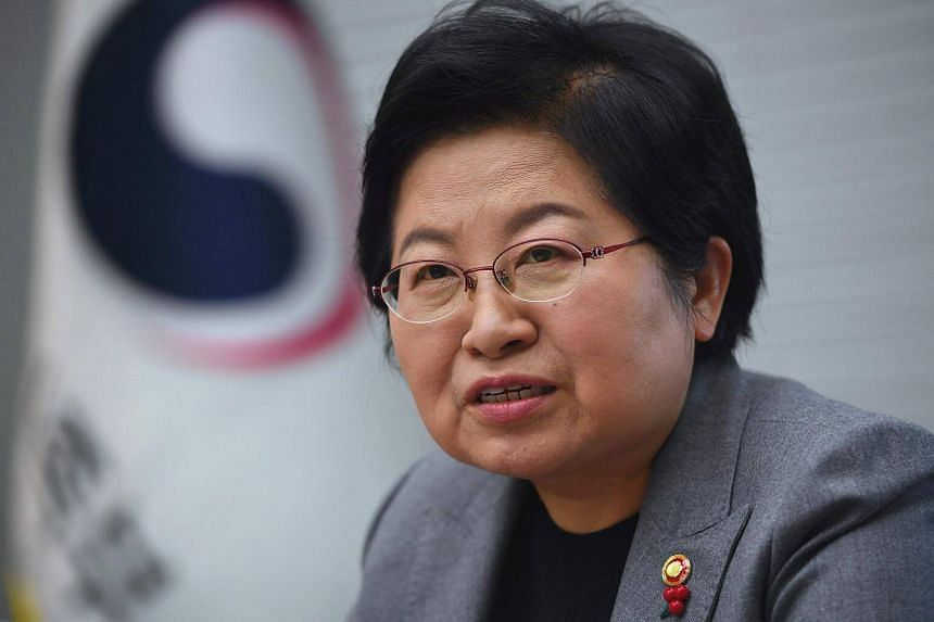 A history professor at a Seoul University before joining the government, family minister Chung Hyun Back says she remained single to pursue her professional ambitions.