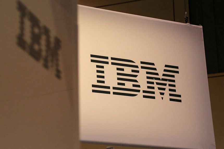 IBM forecast stable margins and revenue for 2018, buoyed by growth in its newer businesses such as cloud computing and security services.