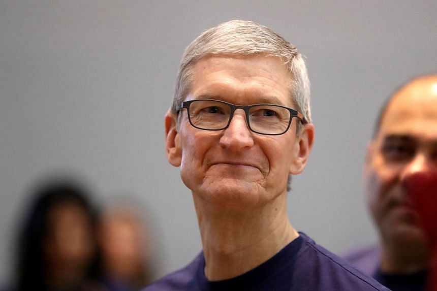 Apple chief Tim Cook won praise after announcing hundreds of billions of dollars in US investments.
