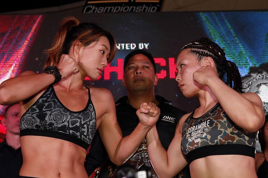 Angela Lee (left) and Mei Yamaguchi (right) at their atomweight title clash on May 5, 2016.