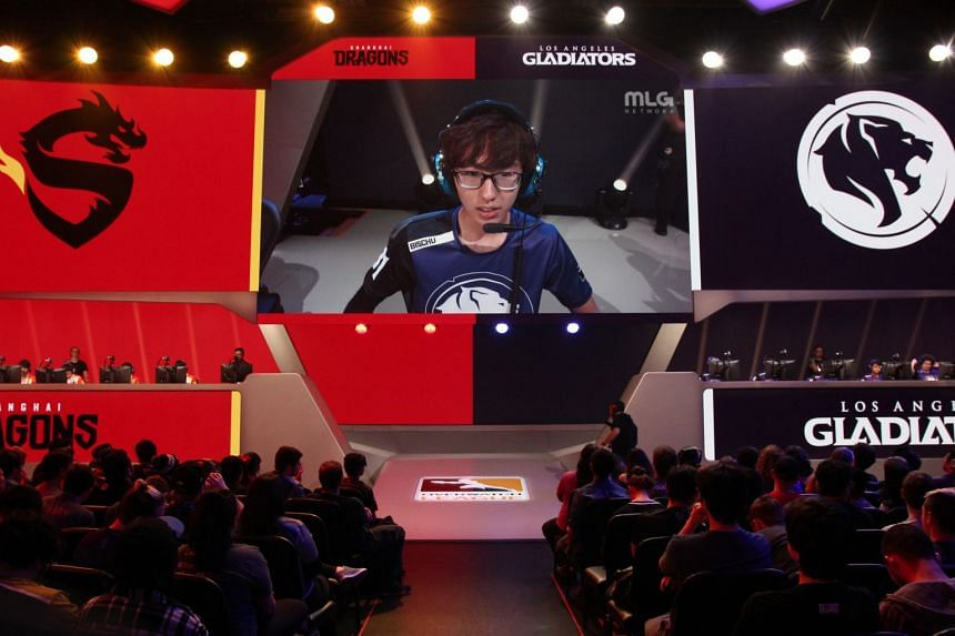 "Aaron ""Bischu"" Kim of the Los Angeles Gladiators plays against the Shanghai Dragons on the inaugural day of the Overwatch League."