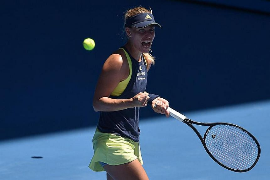 Germany's Angelique Kerber kept her hopes of a second Australian Open title alive after her victory against Taiwan's Hsieh Su-Wei.