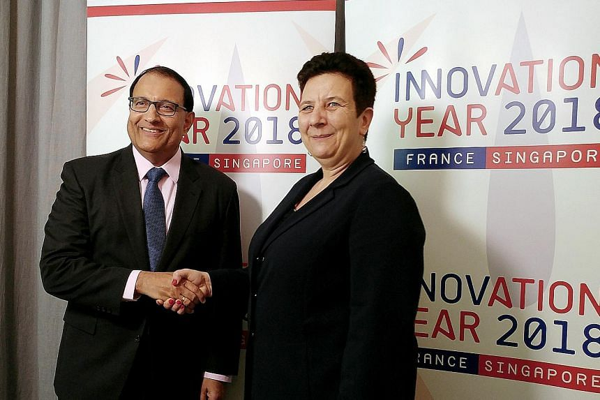 Singapore Minister for Trade and Industry S. Iswaran with French Minister for Higher Education, Research and Innovation Frederique Vidal.