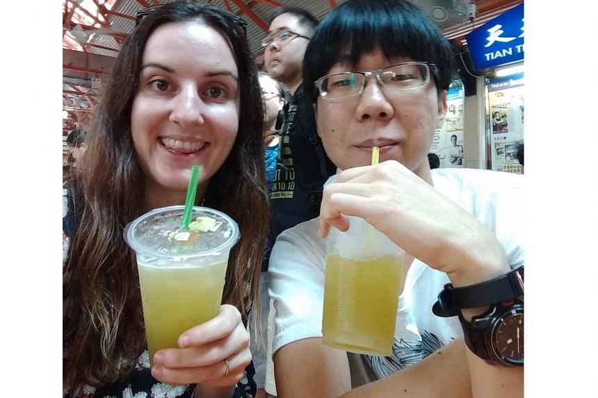 Ms Michelle Christine had a meal at a hawker centre with a university student she befriended on Reddit Singapore on Jan 17, 2018.