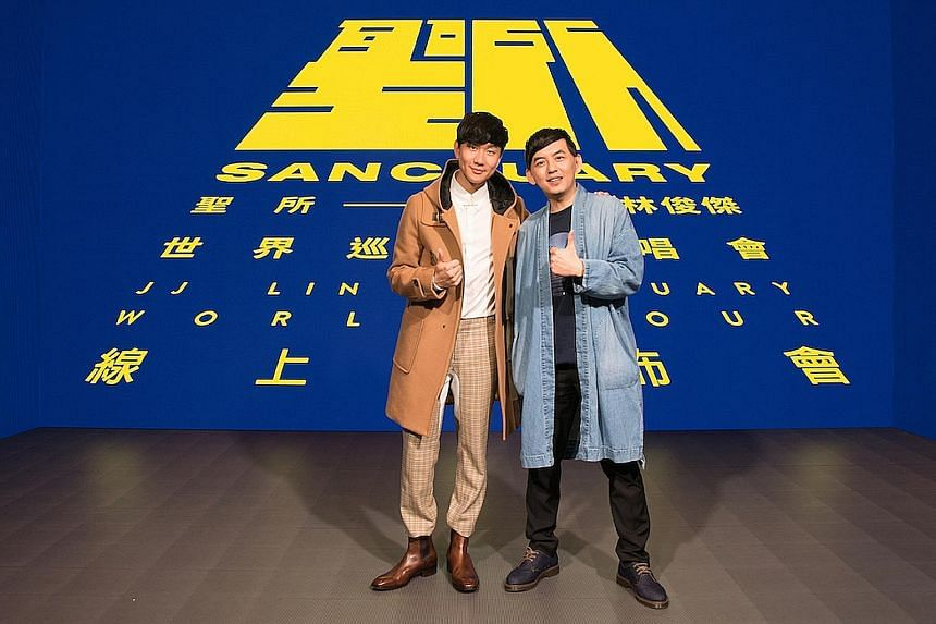 JJ Lin (far left) and Taiwanese comedian-host Mickey Huang, with whom the singer appeared in a Facebook Live video on Monday announcing tour details.