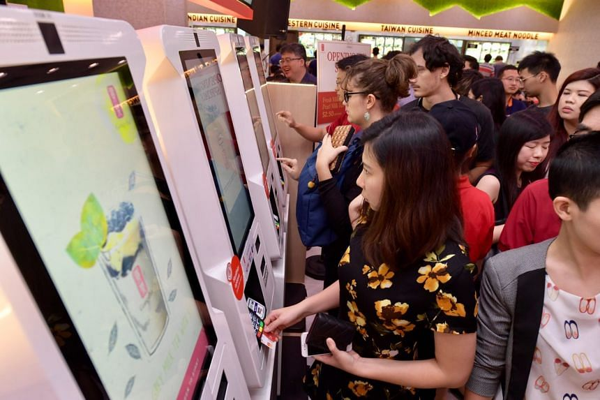 Gong Cha has put in place four cashless payment kiosks in the NUS University Town (UTown).