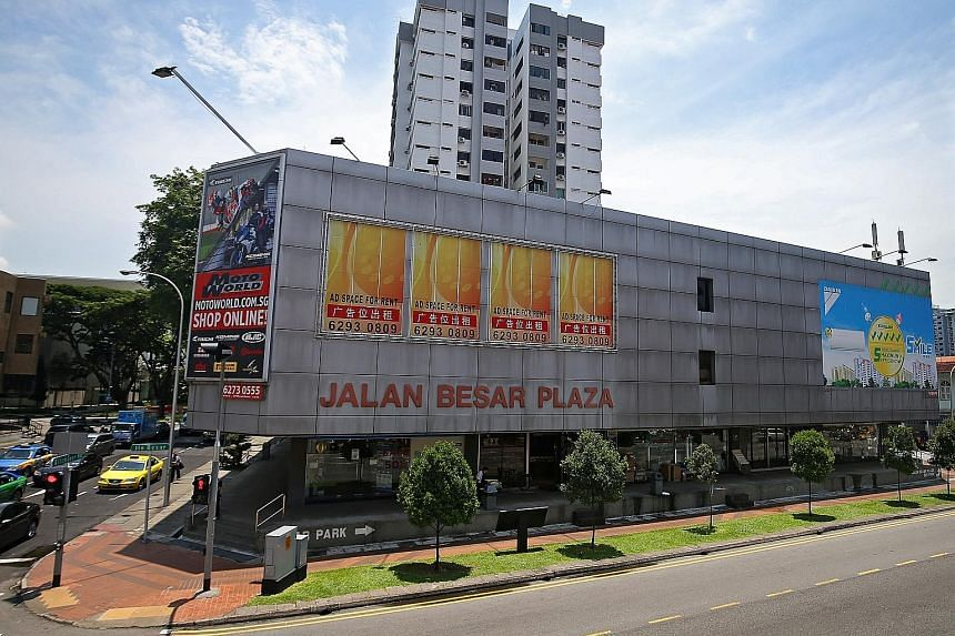 Developers are wrestling with issues unique to iconic developments such as Pearlbank Apartments in the Outram area. No deal was reached for Cairnhill Mansions, a freehold development in prime district 9 with an asking price of $362 million. Jalan Bes