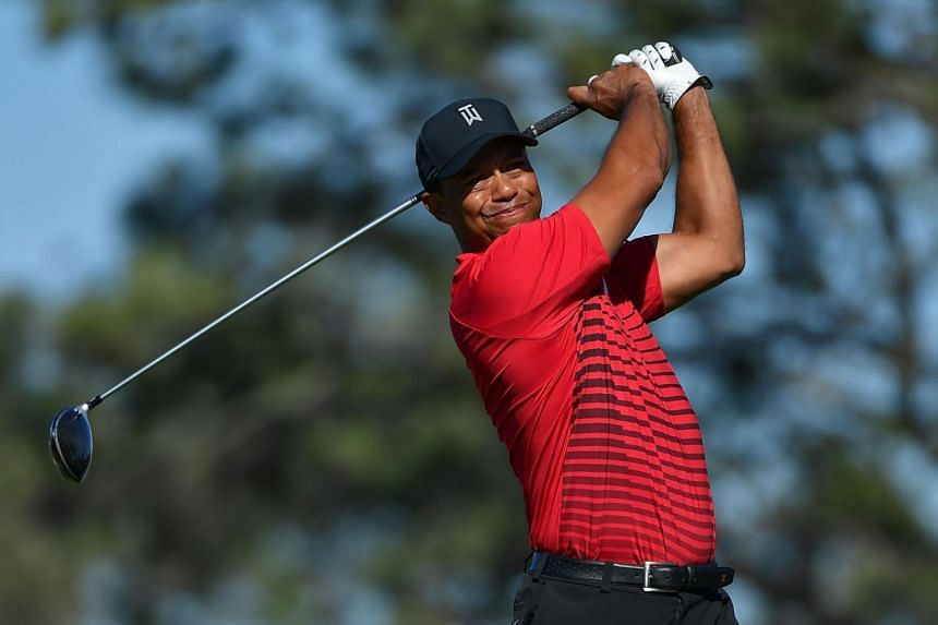 Tiger Woods plays his shot from the fifth tee during the final round of the Farmers Insurance Open at Torrey Pines South on Jan 28, 2018.