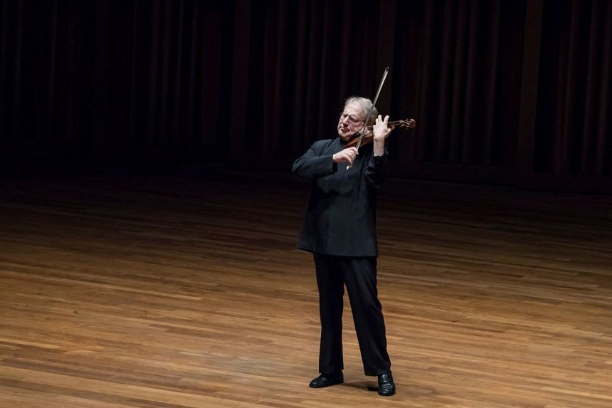 Without pomp or ceremony, Shlomo Mintz emerged from the wings and played as if his entire existence depended on it.