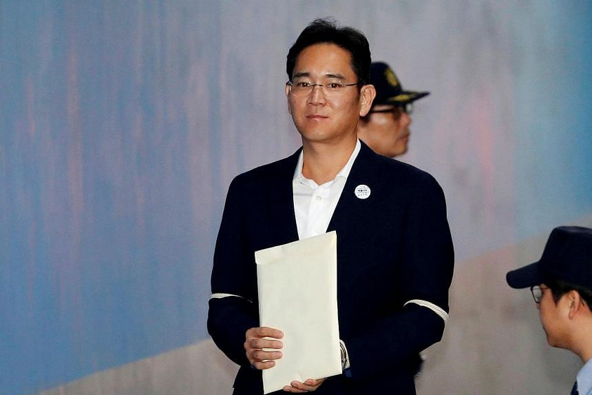 Samsung Electronics Vice Chairman, Jay Y. Lee, arriving at a court in Seoul, on Oct 12, 2017.