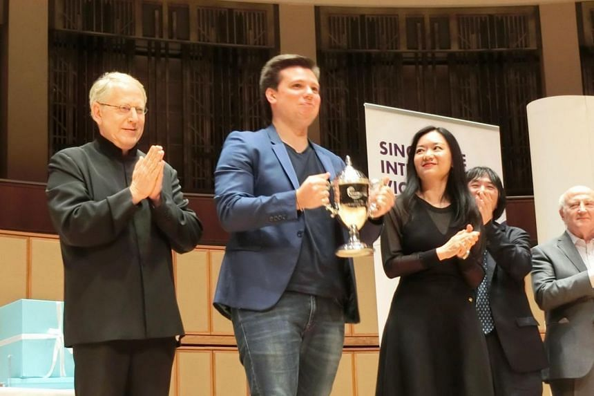 For his all-round bravura, Russian Sergei Dogadin (centre) was awarded the 1st prize.