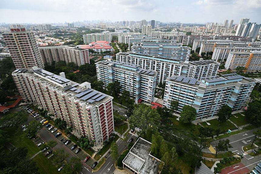 The 12,000 households tapping on the Proximity Housing Grant represents about a quarter of the 50,000 resale transactions registered between Aug 24, 2015 and Dec 31, 2017.