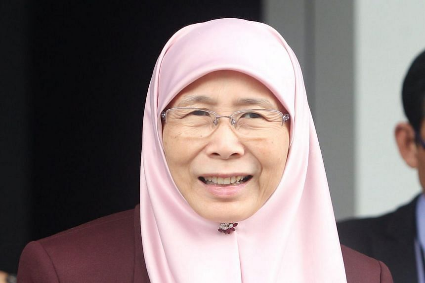 Pakatan Harapan leader Wan Azizah Wan Ismail and representatives of electoral watchdog Bersih submitted 200 objections to Malaysia's Election Commission over the redrawing of electoral boundaries.