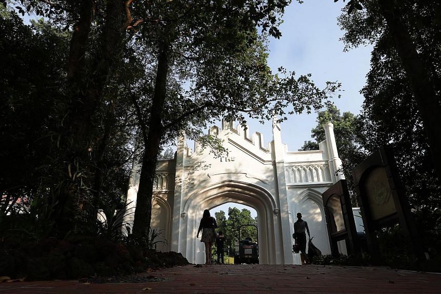 These cupolas or domed pavilions in Fort Canning Green, designed by Irish architect George Dromgold Coleman, provide a popular spot for wedding photo shoots. This ivory white gate near the ROM, which is built in a Gothic style and dates back to 1846,