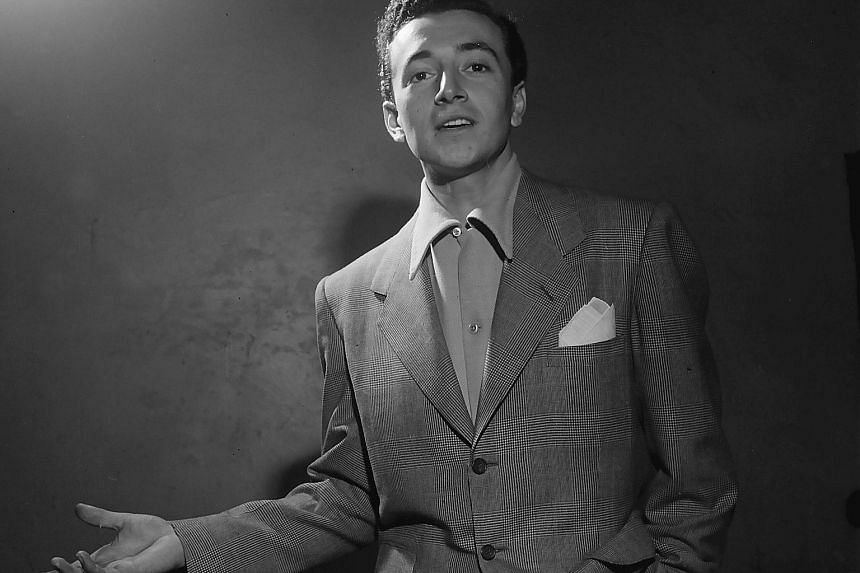 Vic Damone died of complications of respiratory failure on Sunday at a hospital in Miami Beach.