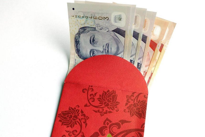 Indonesian domestic worker Aprianah, 35, took a stack of red packets from her 90-year-old employer 's drawer.