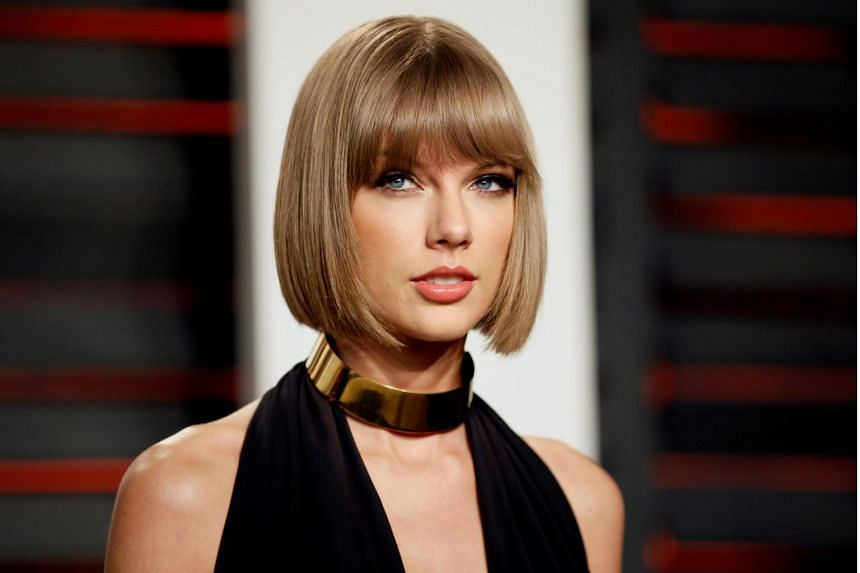 Songwriters Sean Hall and Nathan Butler claimed that Taylor Swift's Shake It Off borrowed from their 2001 composition, Playas Gon' Play.