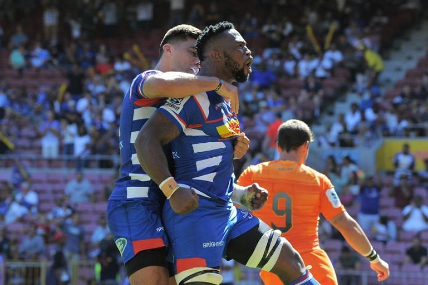 Stormers flanker Siya Kolisi (centre) celebrating after scoring a try against the Jaguares during their Super Rugby match in Cape Town on Feb 17, 2018.