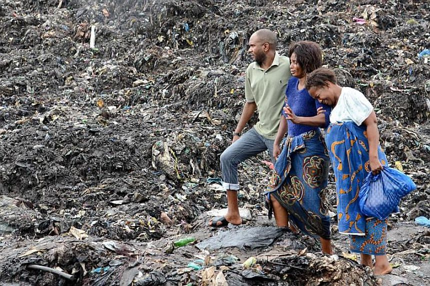 At least 17 people were killed in a landslide at Hulene's rubbish dump in the Mozambican capital's suburbs.