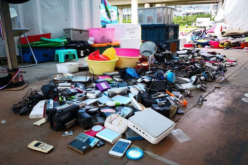 Electronic gadgets, such as camcorders and iPhones, are among the items that karung guni collectors have picked up as they go from door to door. Radios, watches and cameras are common finds too. Once in a while, they stumble upon gems such as a vinta
